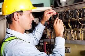 Nhân viên kỹ thuật điện