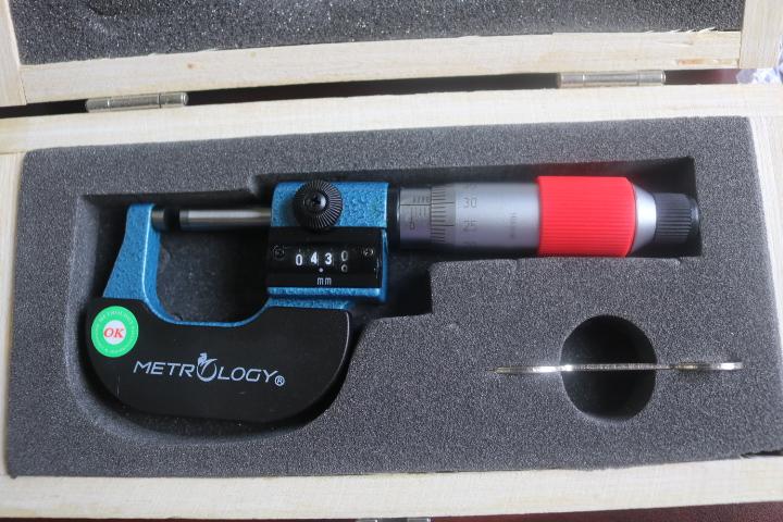 Panme đo ngoài cơ 0-25mm  OM-9042 Metrology