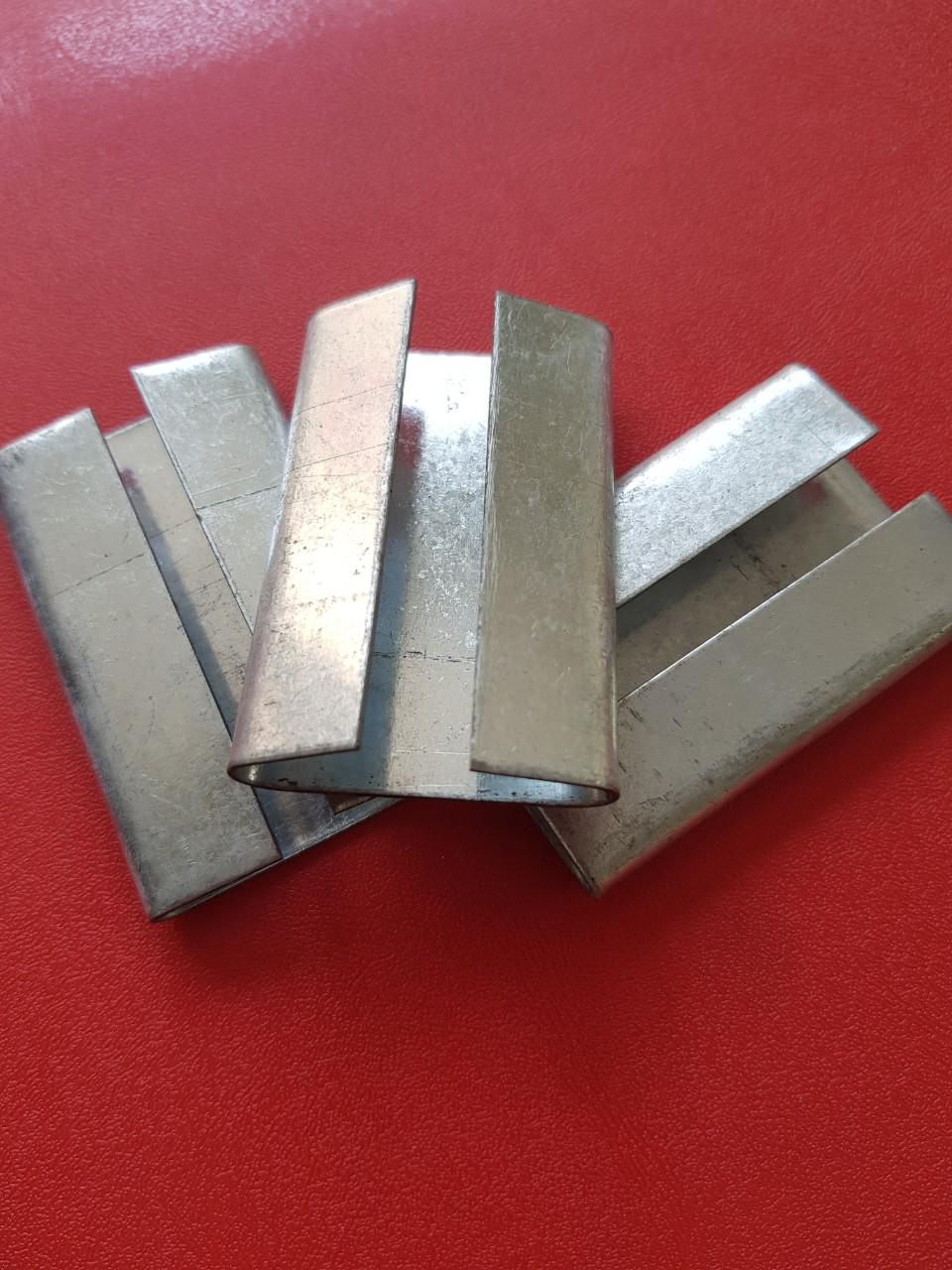 Bọ sắt viền đóng 2 bên 32mm x 0.8mm  TGCN-41368 VietnamPackaging