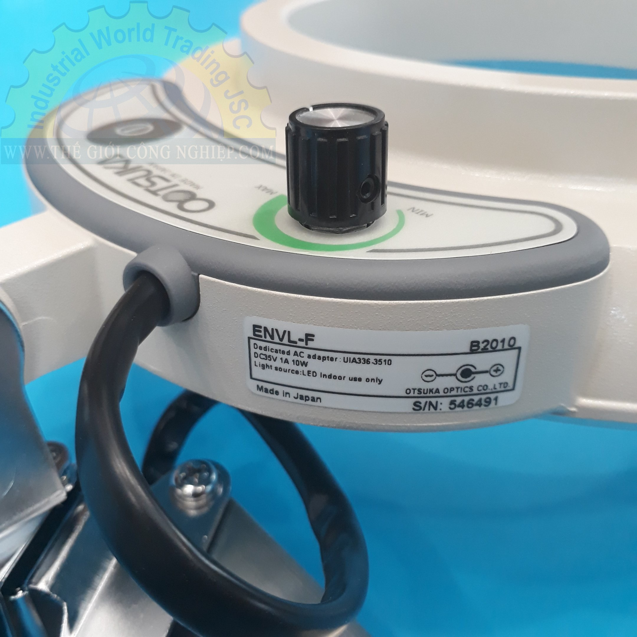 Kính lúp kẹp bàn dùng đèn Led, có độ phóng đại 3 lần lED Illuminated Light Scope ENVL-F 3X OTSUKA