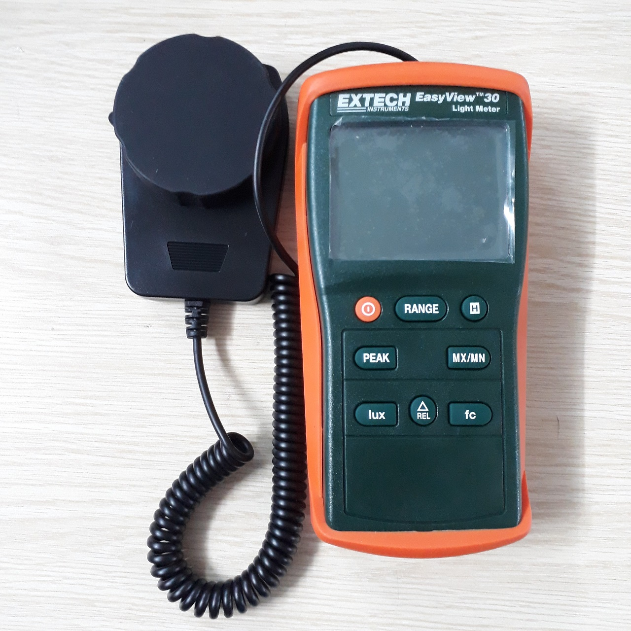 Hiệu chuẩn máy đo cường độ ánh sáng 40-400000 luxEA30 Extech