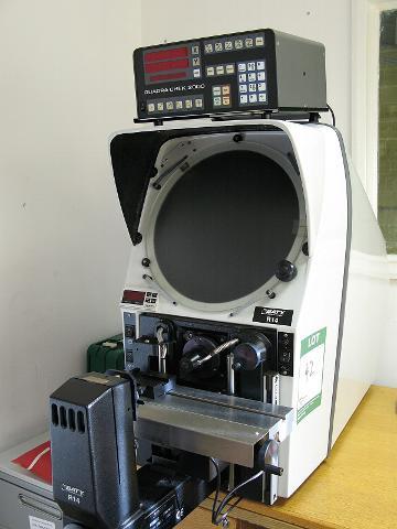 Bảo trì máy chiếu biên dạng R14-Maintenace BATY