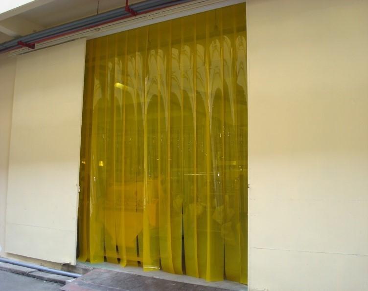 Rèm nhựa PVC màu vàng  200mm x 2 mm TGCN-26155 VietNamPlastics