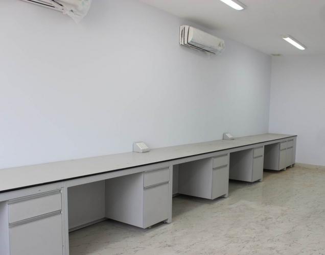 Bàn thí nghiệm áp goc TGCN-28925 Vietnam