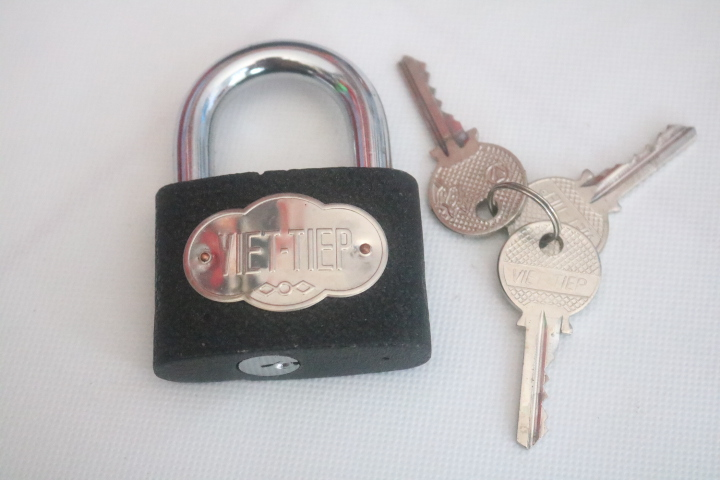 Ổ khóa đen 6F 3C 01621 KhoaVietTiep