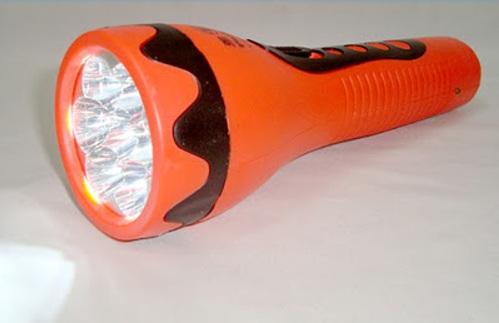 Đèn pin 7 bóng YS-213 (cam đen) YASHENG