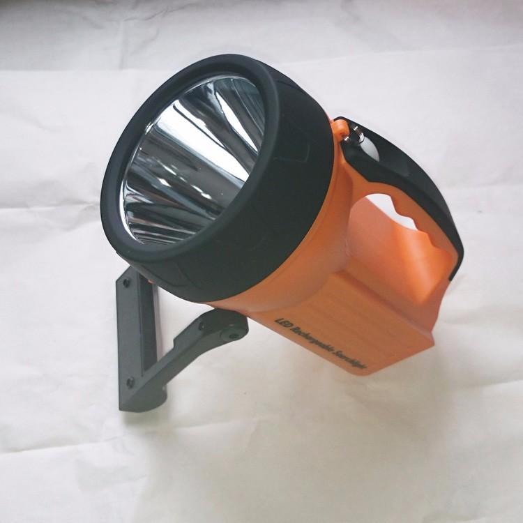 Đèn pin xách tay siêu sáng  WSL-817 10W-1000 lumens WASING