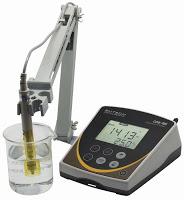 Máy đo độ dẫn điện để bàn CON 700 EUTECH