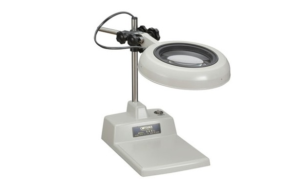 Kính lúp để bàn dùng đèn Led, có độ phóng đại 10 lần SKKL-B 10X OTSUKA