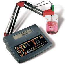 Máy đo pH/mV/nhiệt độ loại để bàn  PH211 Hanna