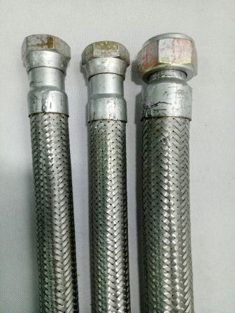 Ống dẻo inox 2 đầu côn ren phi 27 x 1000mm TGCN- VietnamMaterials