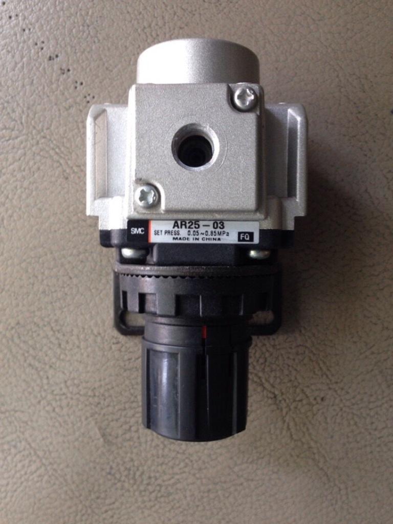 Van điều áp AR25-03 SMC