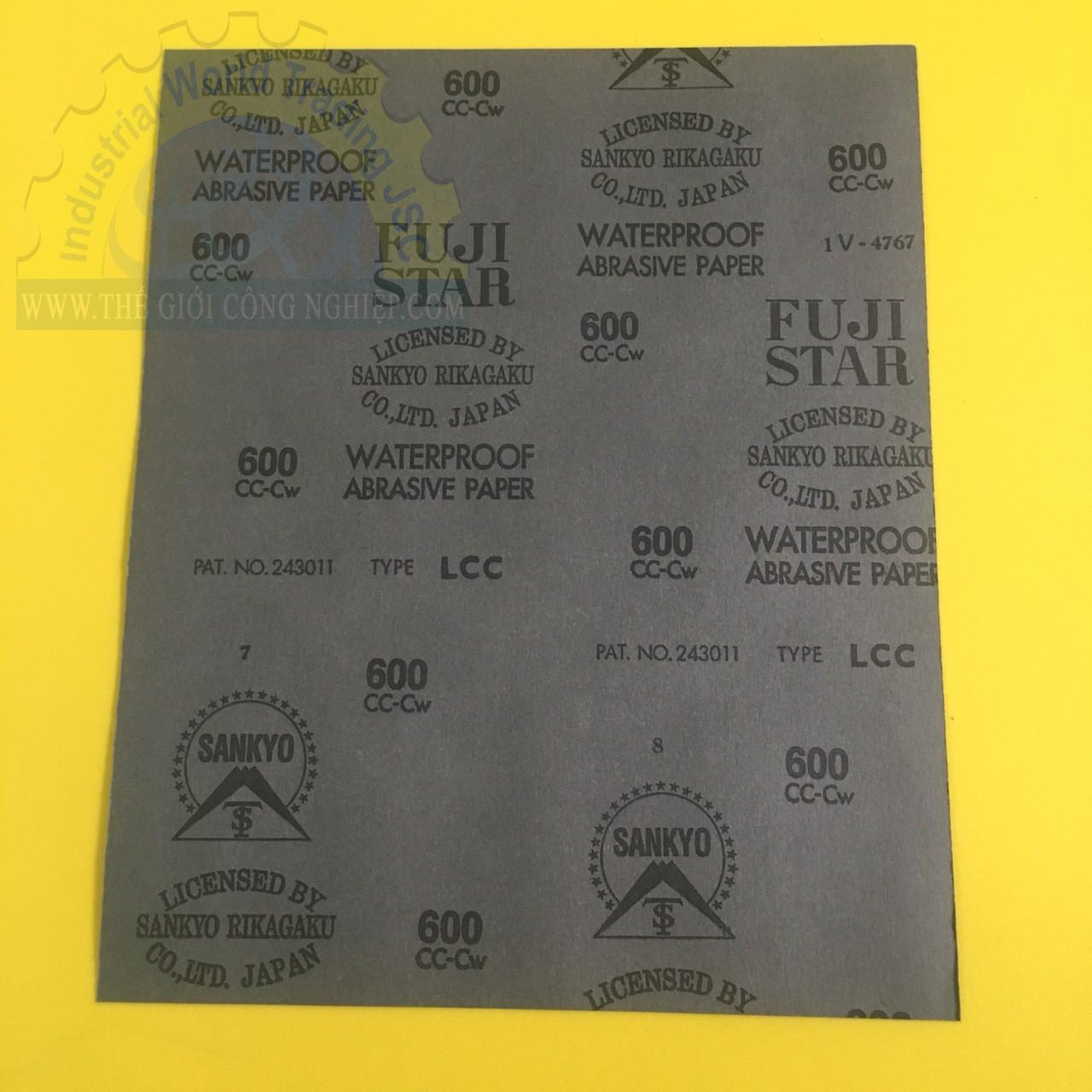 Giấy nhám chịu nước, kích thước 230mm x 280mm, độ nhám P600, quy cách 100 tờ/hộp  P-600 Fujistar
