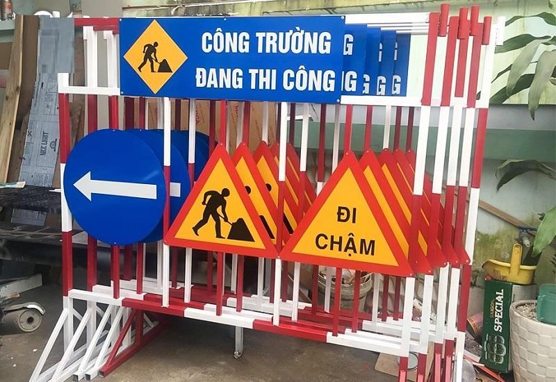 Bộ khung rào chắn giao thông gắn biển báo  TGCN-50828 Vietnam