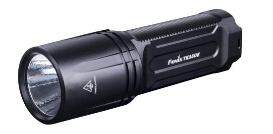 Đèn Pin siêu sáng Chiếu xa 300m Độ sáng tối đa 3200 lumens Chống nước IP68 (tương đương IPX8)  TK35UE Fenix